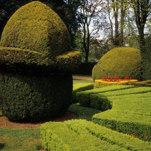 Ascott Garden - Wing near Leighton Buzzard Buckinghamshire - Sundial 2