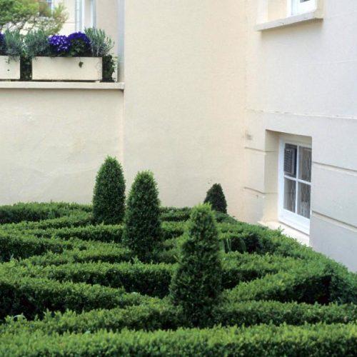 Park Village - Small London front garden